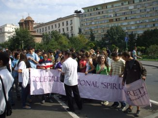 Bucharest High School Pupils Parade 2010 - 2
